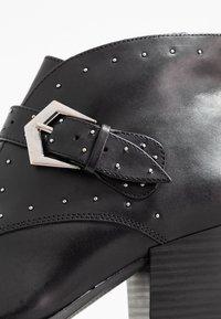 s.Oliver BLACK LABEL - Boots à talons - black - 2