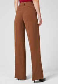 s.Oliver BLACK LABEL - Trousers - brown - 2