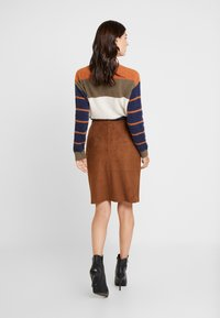 s.Oliver BLACK LABEL - KURZ - Pencil skirt - winter hazelnut - 2