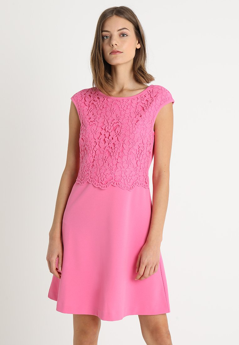 s.Oliver BLACK LABEL - KURZ - Jerseykleid - summer pink