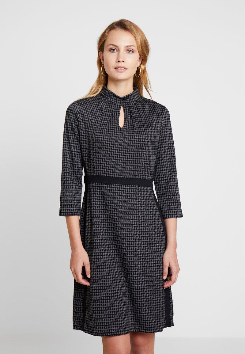 s.Oliver BLACK LABEL - Jumper dress - black