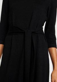 s.Oliver BLACK LABEL - KURZ - Stickad klänning - black - 6