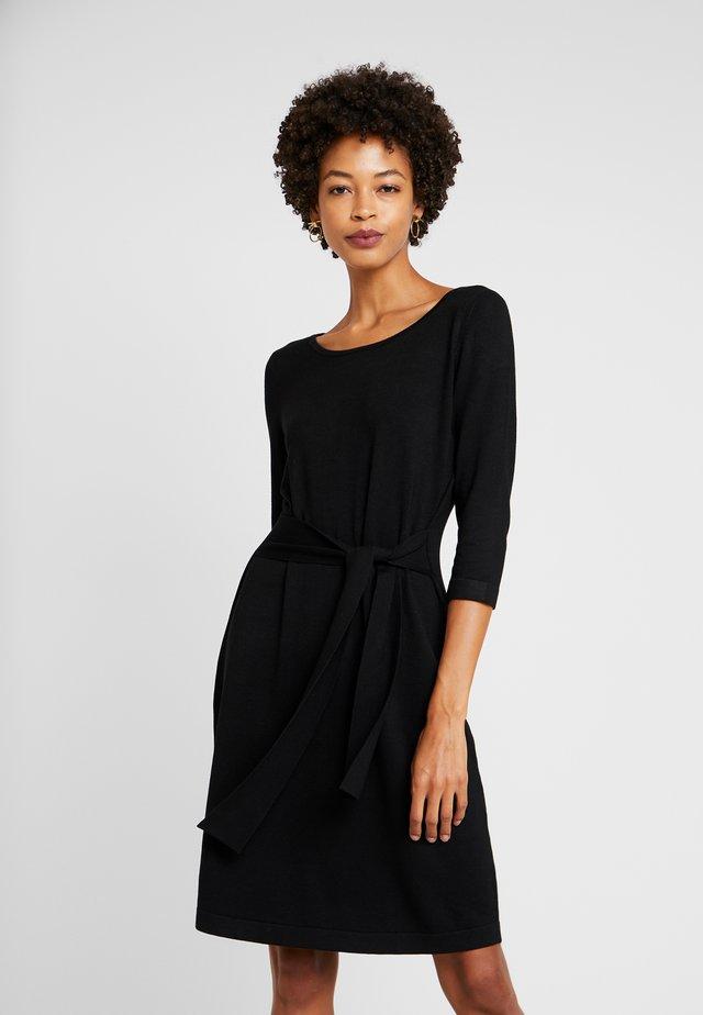 KURZ - Pletené šaty - black