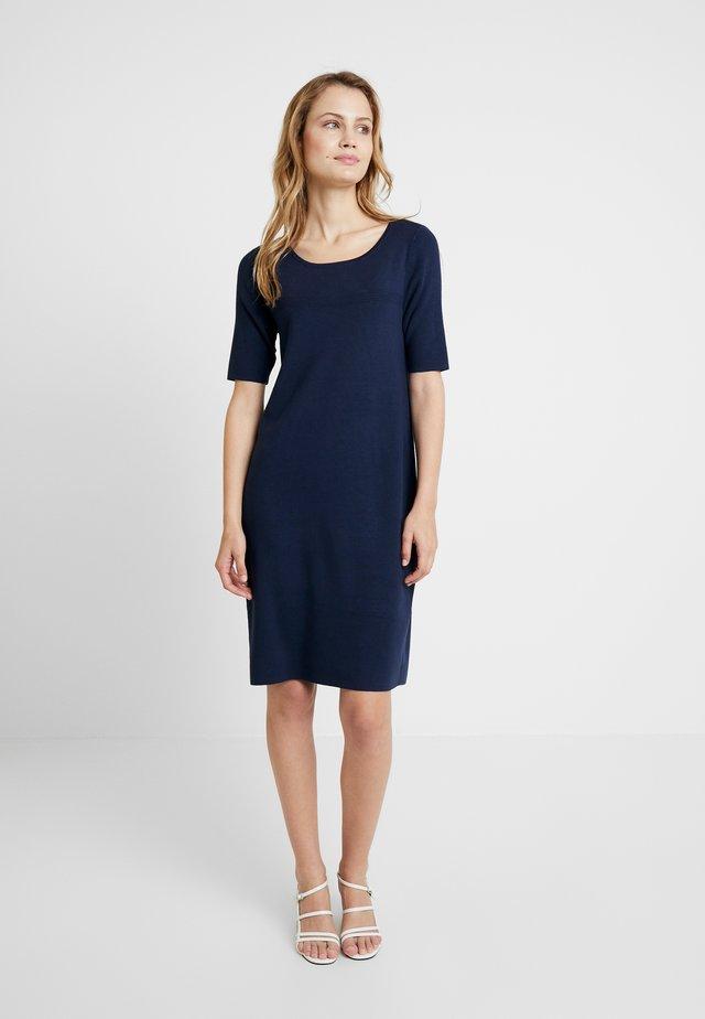 KLEID - Pletené šaty - mood indigo