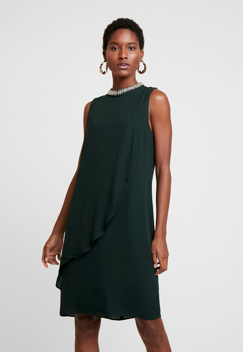 s.Oliver BLACK LABEL - Cocktailklänning - fir green