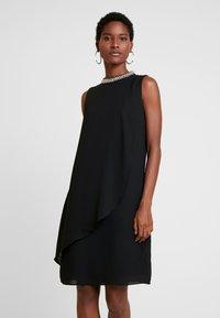 s.Oliver BLACK LABEL - Koktejlové šaty/ šaty na párty - true black - 0