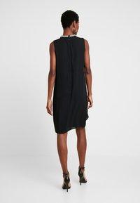 s.Oliver BLACK LABEL - Koktejlové šaty/ šaty na párty - true black - 3