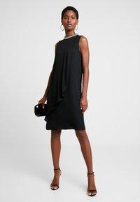 s.Oliver BLACK LABEL - Koktejlové šaty/ šaty na párty - true black - 2