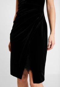 s.Oliver BLACK LABEL - Fodralklänning - black velv - 5