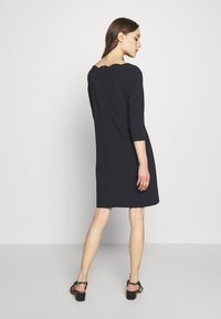 s.Oliver BLACK LABEL - Robe en jersey - dark navy - 2