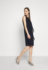 s.Oliver BLACK LABEL - Vestido de cóctel - dark navy - 1