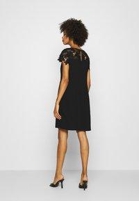 s.Oliver BLACK LABEL - Vestido de cóctel - true black - 2