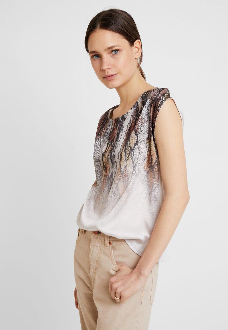 s.Oliver BLACK LABEL - KURZARM - T-Shirt print - brown