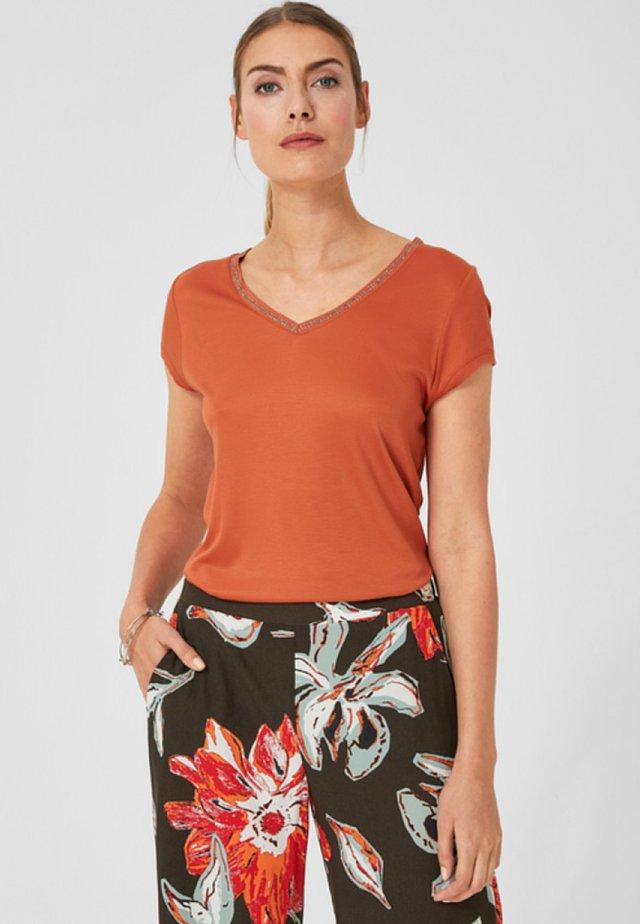 MIT SCHMUCKDETAIL - T-Shirt print - orange