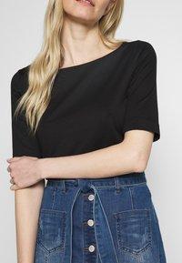 s.Oliver BLACK LABEL - Basic T-shirt - black - 4