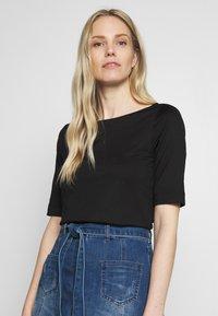 s.Oliver BLACK LABEL - Basic T-shirt - black - 1