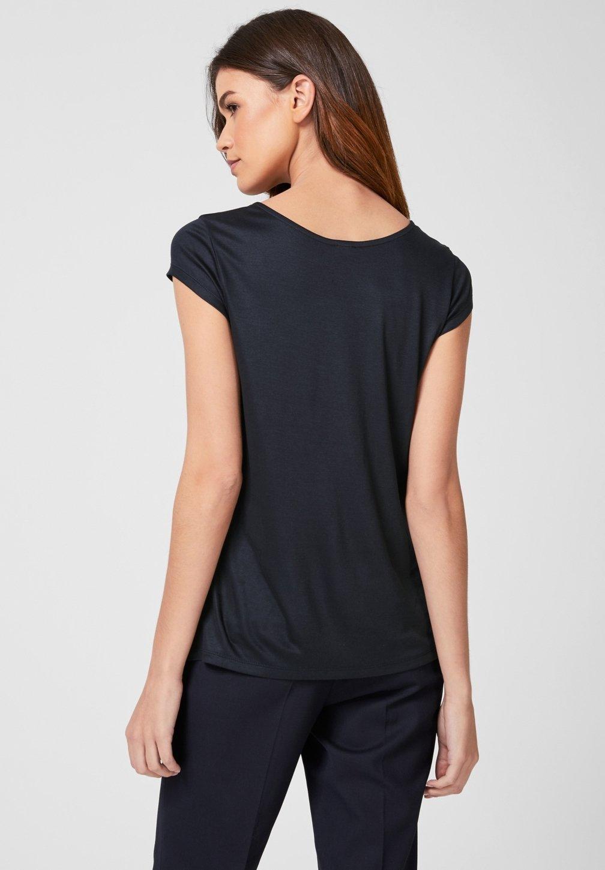 s.Oliver BLACK LABEL MIT SCHMUCK DETAIL - T-Shirt print dark navy
