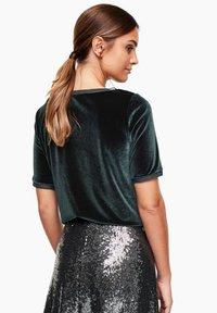 s.Oliver BLACK LABEL - T-shirt print - green - 2