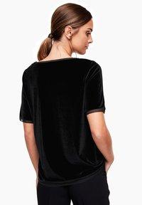 s.Oliver BLACK LABEL - T-shirt print - black - 2