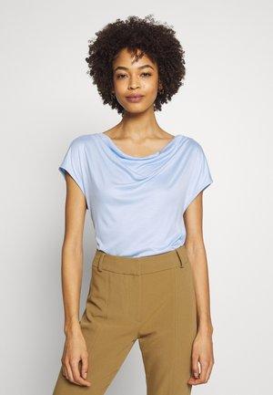 T-SHIRT - Basic T-shirt - celestial