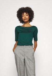 s.Oliver BLACK LABEL - T-shirts - laguna green - 0