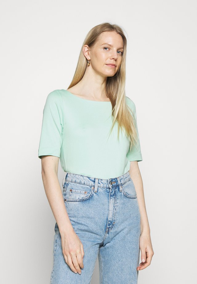 T-shirts basic - misty gree