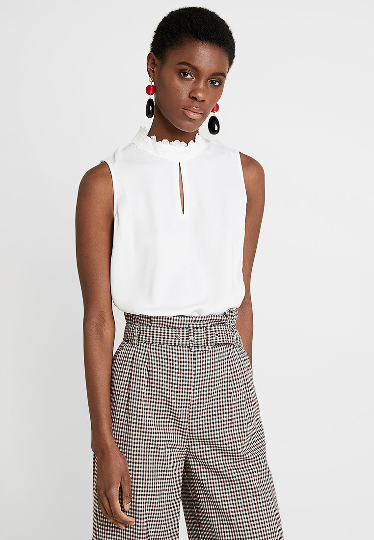 s.Oliver BLACK LABEL - ÄRMELLOS - Blouse - summer creme