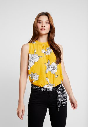 ÄRMELLOS - Bluse - yellow