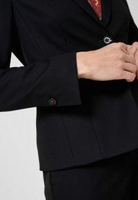 s.Oliver BLACK LABEL - Blazer - black - 3
