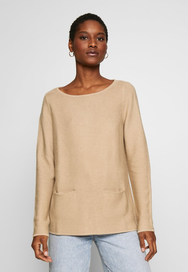 Sweter - almond