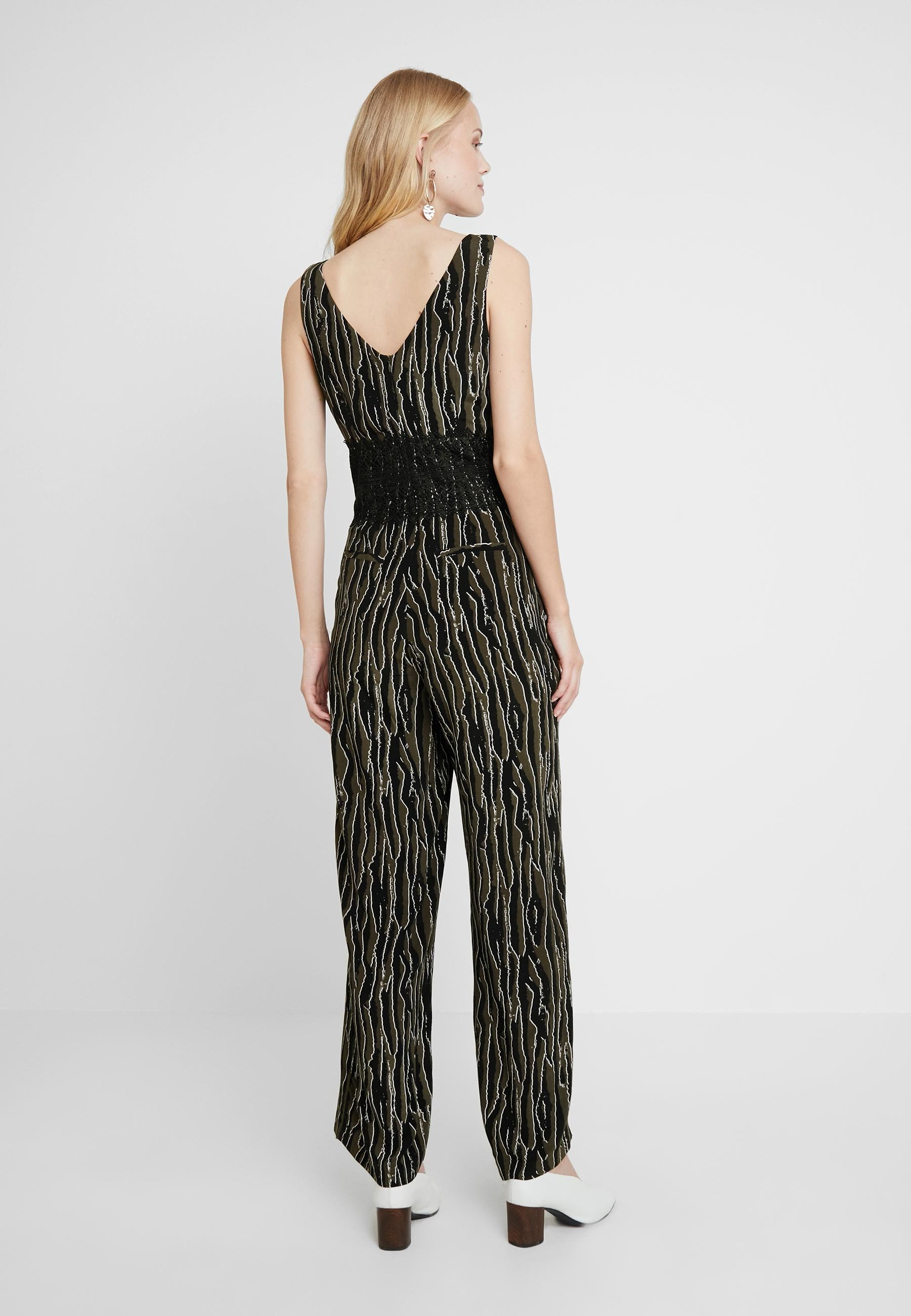 s.Oliver BLACK LABEL OVERALL - Jumpsuit green