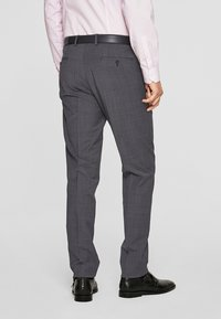 s.Oliver BLACK LABEL - Pantalon de costume - anthracite - 2