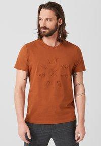 s.Oliver BLACK LABEL - T-Shirt print - copper brown - 0