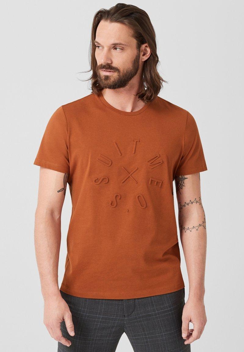 s.Oliver BLACK LABEL - T-Shirt print - copper brown