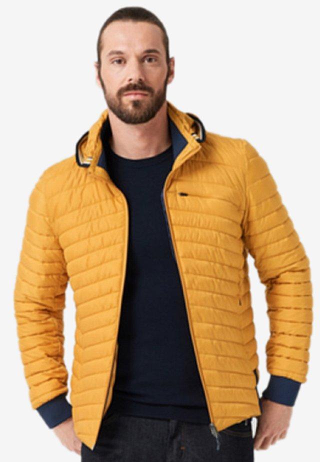 Jas - amber yellow