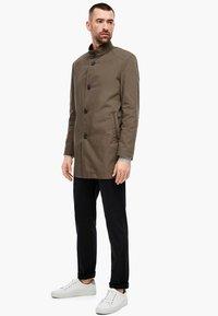 s.Oliver BLACK LABEL - MIT STEHKRAGEN - Short coat - brown - 1