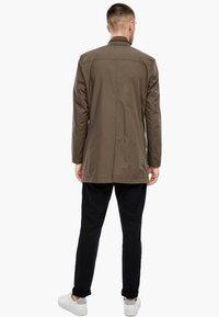 s.Oliver BLACK LABEL - MIT STEHKRAGEN - Short coat - brown - 2