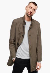 s.Oliver BLACK LABEL - MIT STEHKRAGEN - Short coat - brown - 0