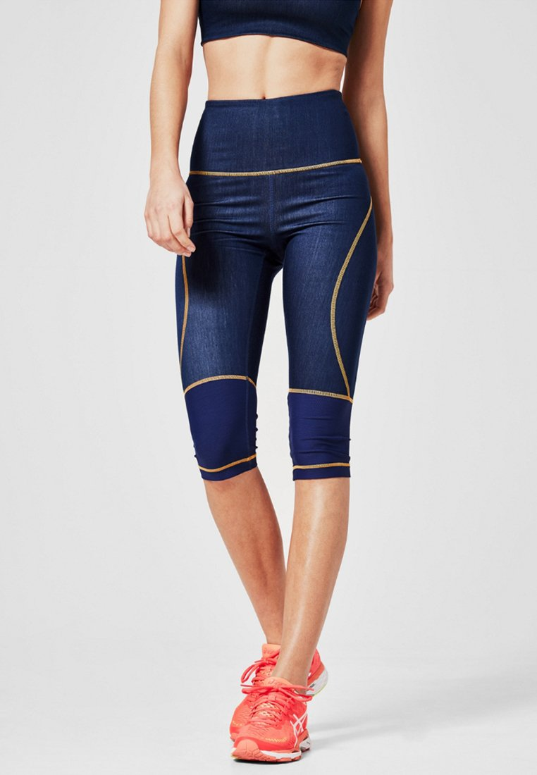 s.Oliver active - 3/4 sports trousers - blue