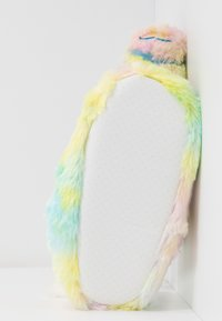 South Beach - PASTEL RAINBOW FLYING UNICORN SLIPPERS - Slippers - multicolor - 6
