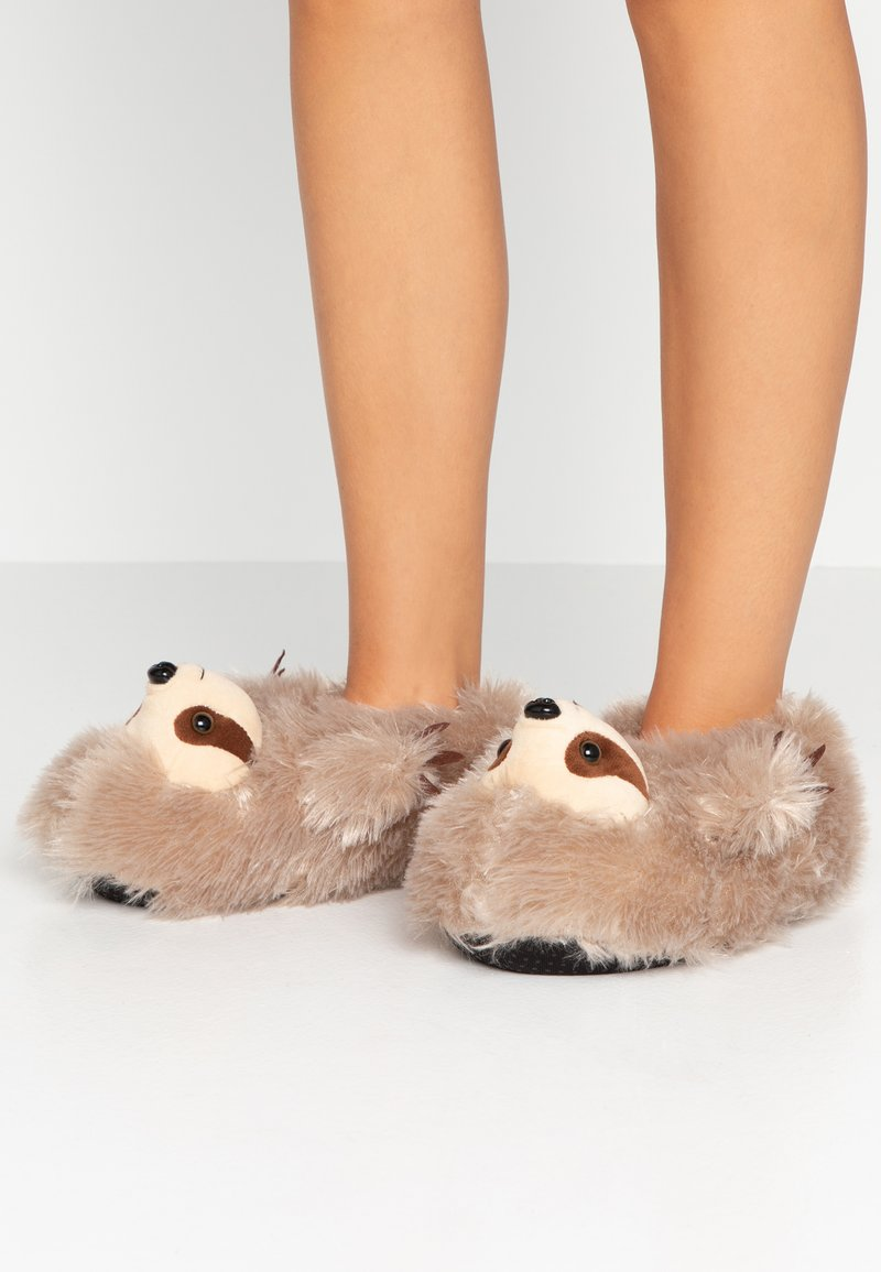 South Beach - SLOTH SLIPPERS - Pantoffels - brown