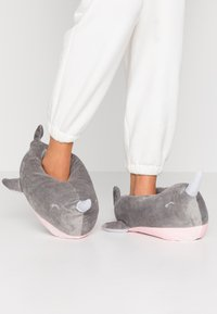 South Beach - NARWHAL SLIPPERS - Pantoffels - grey - 0