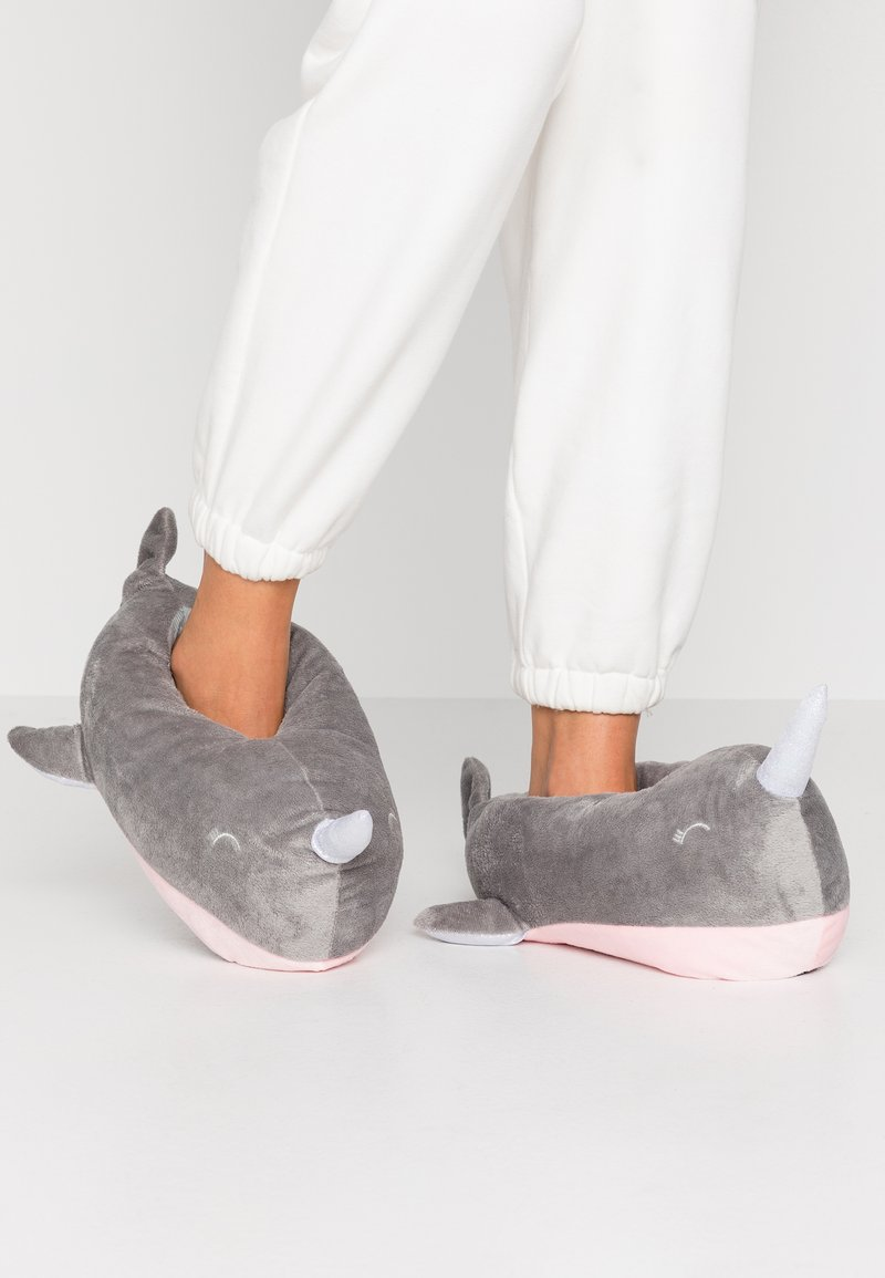South Beach - NARWHAL SLIPPERS - Pantoffels - grey