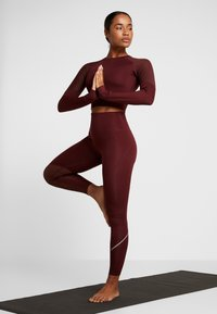 South Beach - LONG SLEEVE INSERT CROP  - T-shirt à manches longues - burgundy - 1