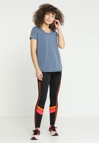 South Beach - CHEVRON LEGGING - Tights - black/pink - 1