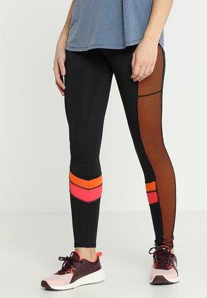 CHEVRON LEGGING - Tights - black/pink