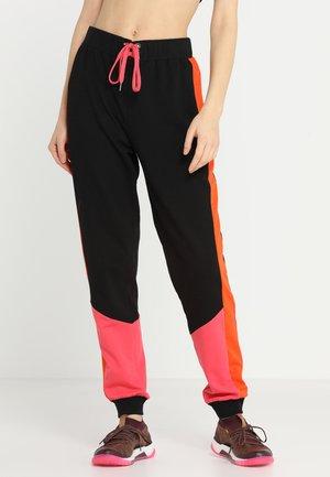 LACE UP JOGGER LOOP BACK - Tracksuit bottoms - black/pink