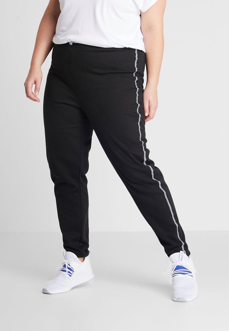 South Beach - BLACK CURVE REFLECTIVE SPORTS STRIPE - Pantalones deportivos - black