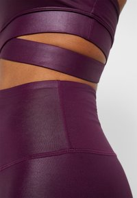 South Beach - WETLOOK HIGHWAIST - Medias - burgundy