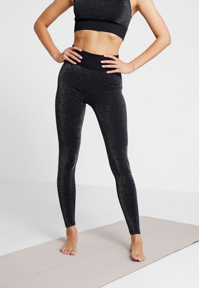 HIGH WAISTED SEAMLESS LEGGING - Legging - silver/black